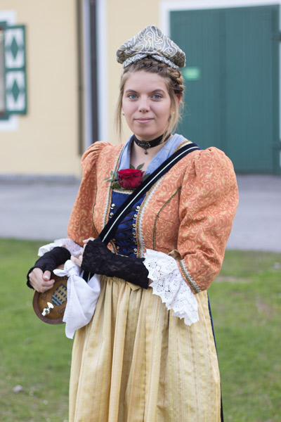Lena Handler